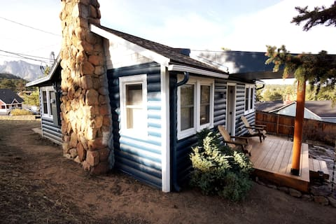 Newly Renovated Cozy Home in Heart of Dwntwn Estes