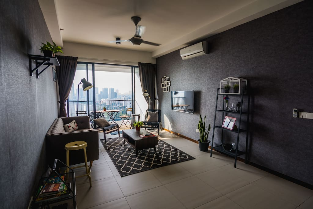 Welcome to Atelier. Beachfront, contemparary, seaview, industrial themed and your perfect homestay in Penang. This living space is perfect for you and your family.