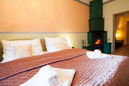 5★ Apartment (fireplace & jacuzzi) - Písek
