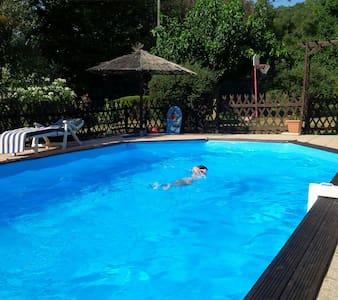 Joli T3 dans villa avec piscine - Collobrières - Haus