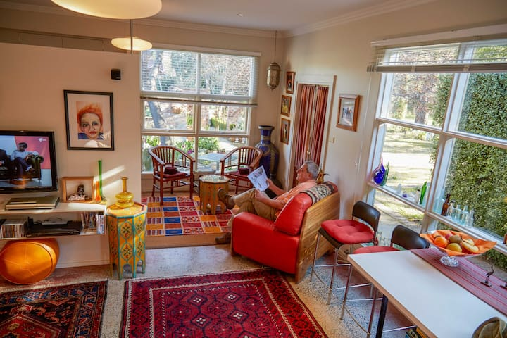 LITTLE GEM  in Bowral - Moroccan style studio -