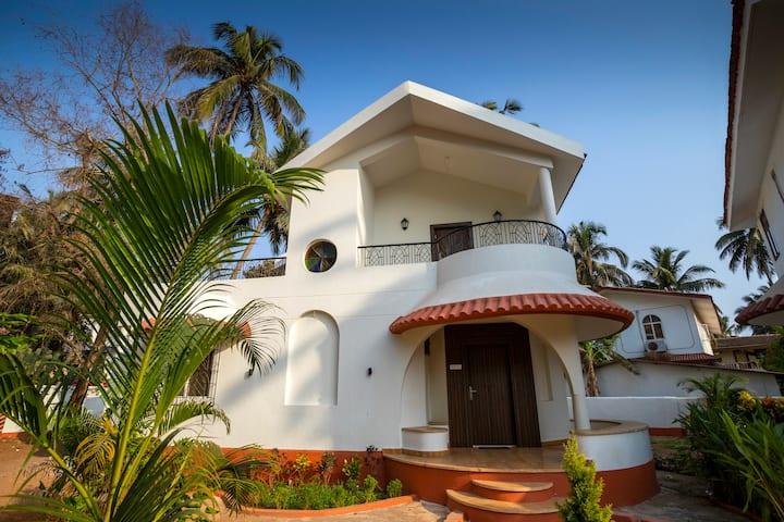 Premium 2Bhk Beach touch Villa~Pool~Caretaker