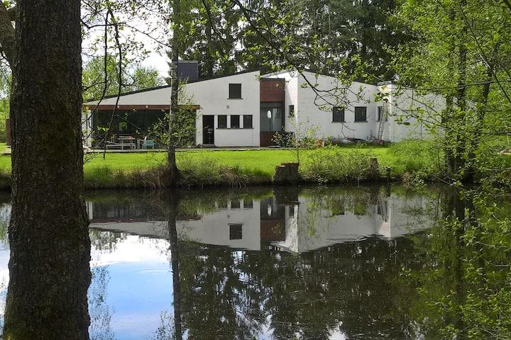 Le domaine de l'épuisette, piscine et étang privés