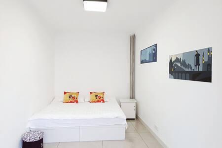 二楼三室两厅100平可供多人居住家庭旅馆式民宿