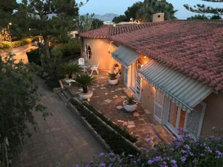 VillaEstela,-20%descue ,piscina,jardín,wifi,TV,bbq
