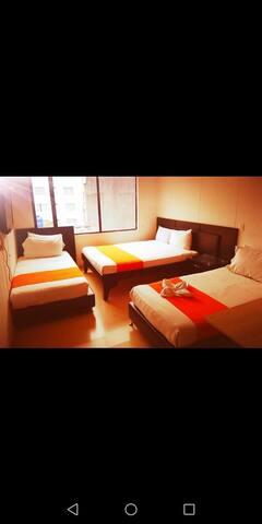 Aparta suite triple grupo - Hotel Business Ferial