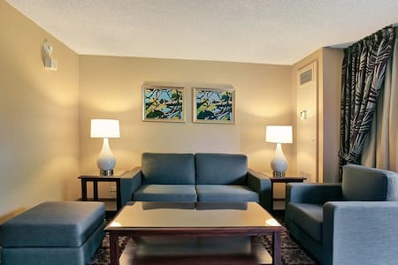Spacious Suite at the Hilo Hawaiian - #405