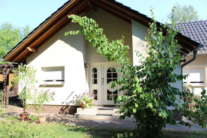 "Country Cottage ""Am Wiesengrund"""