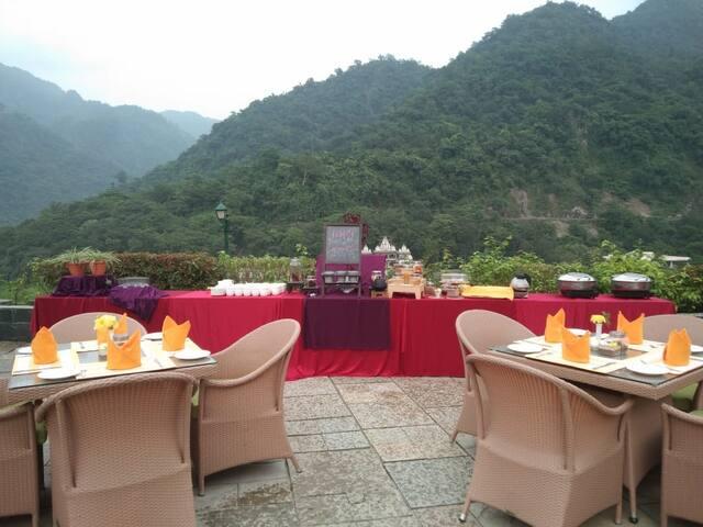 Beautifull patio buffet