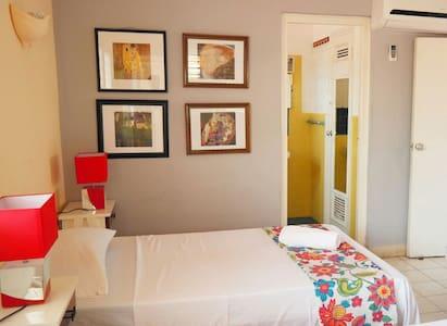 Flower Beach Room in Varadero - Casa