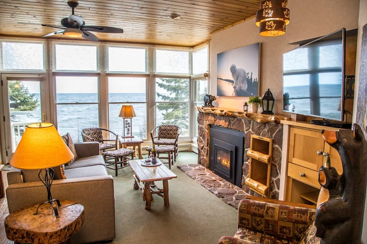 Just beyond the usual Bluefin Bay resort digs. Go places. Do stuff. See things. Meet folks. Then unwind in 56A  kitchen, great room, fireplace, whirlpool, deck, 2 HD tv, pools, spas. PETS RATE IT NO. 1.