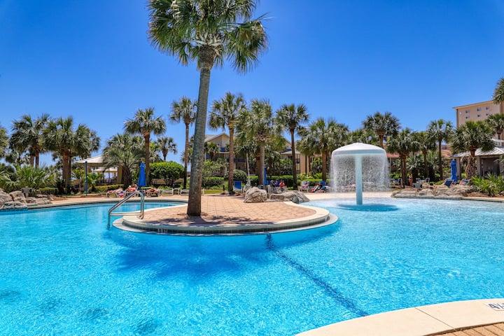 Wonderful & sleek condo near the beach - shared pool, gym & grill!