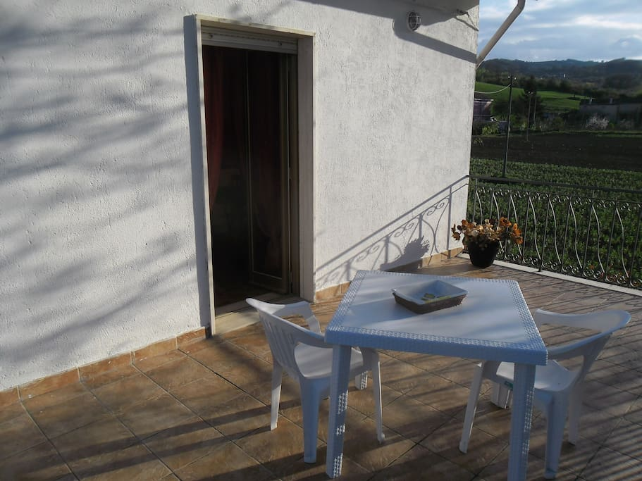 Ampio terrazzo ad uso esclusivo degli ospiti