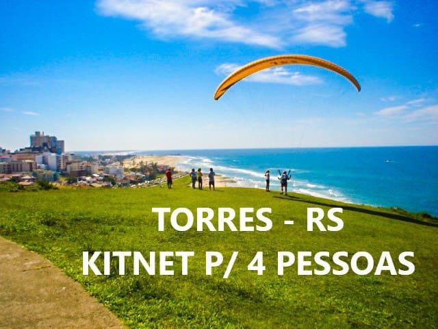 Kitnet 01 ar-cond. Split/Wi-Fi *acomoda 4 pessoas
