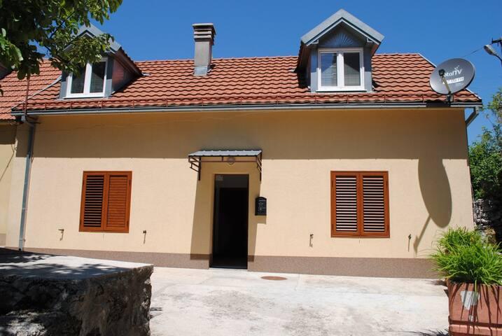 Medovina Villa
