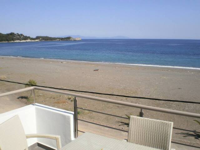 Apartment by the sea - Agkali - Apartemen