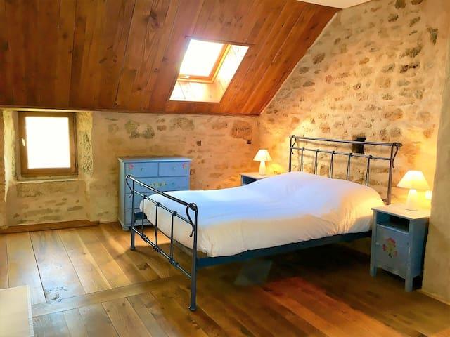 Gîte pour 4 à 6 personnes - Vimenet - Huis