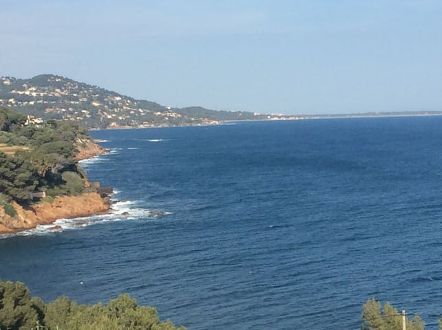 Villa au calme absolu avec vue mer imprenable