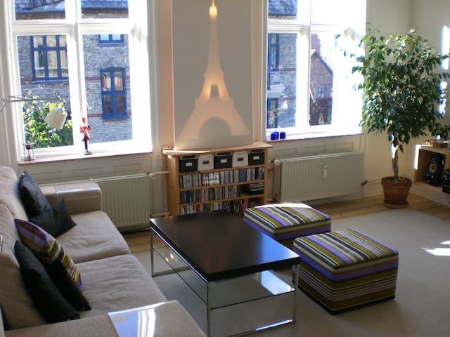 Cosy and comfy apartment in CPH French district - Frederiksberg