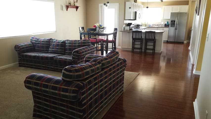 The Ranch House Near Zion *Jetted Tub * 3Bed2Bath*