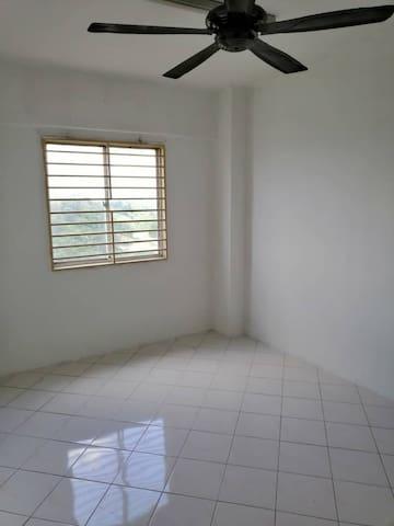 House for rent @ seri kembangan
