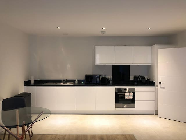 Brand new modern apartment in Harrow-on-the-Hill