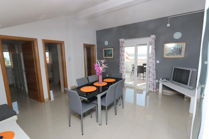 Zrce Apartment Dany Blue with balcony and sea view - Caska - Apartemen