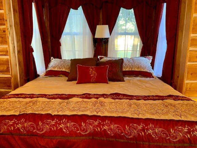 The Princess Room at King Mountain Ranch Cabin