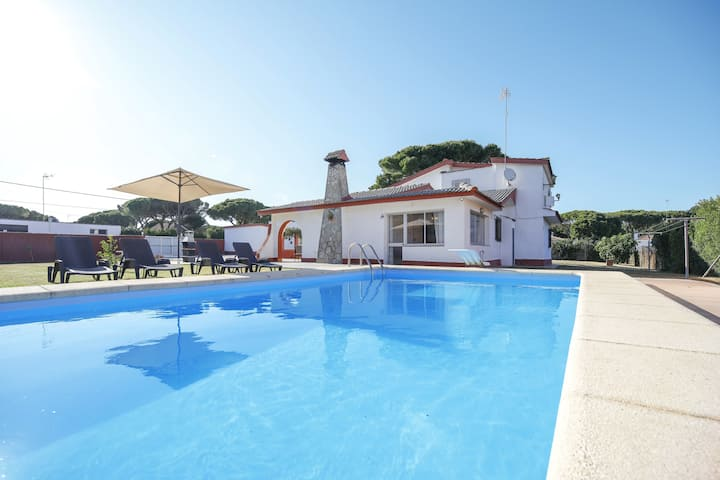 Fantastic Villa La Bora with Pool, Air Conditioning, Wi-Fi & Terrace; Parking Available, Pets Allowed
