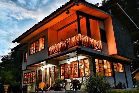 Tropical Living in Panama, Master Suite