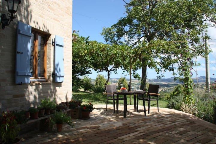 Casa Bellavista - Monte Giberto - Apto. en complejo residencial