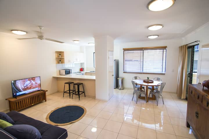 2 Bedroom  2 Bathroom Apartment Cairns Central