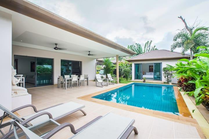Villa 3 bedrooms private pool close to Boat Avenue