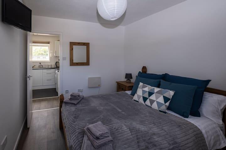 Double bedroom (No. 1)