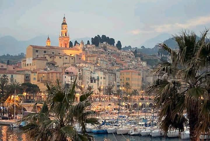 Cosy seaside apartment in the heart of Menton
