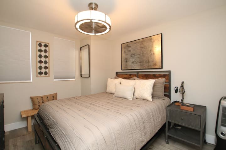 Third bedroom with a queen bed.