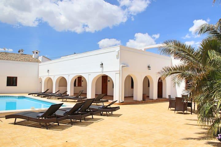 Casa Solariega Luxury Mansion in Villena