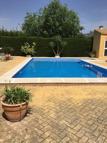 Estudio diáfano con piscina - Palma del Río - Loft
