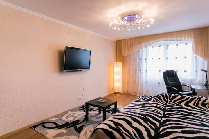 Квартира на Солнечной в новом доме - Самара - Apartment