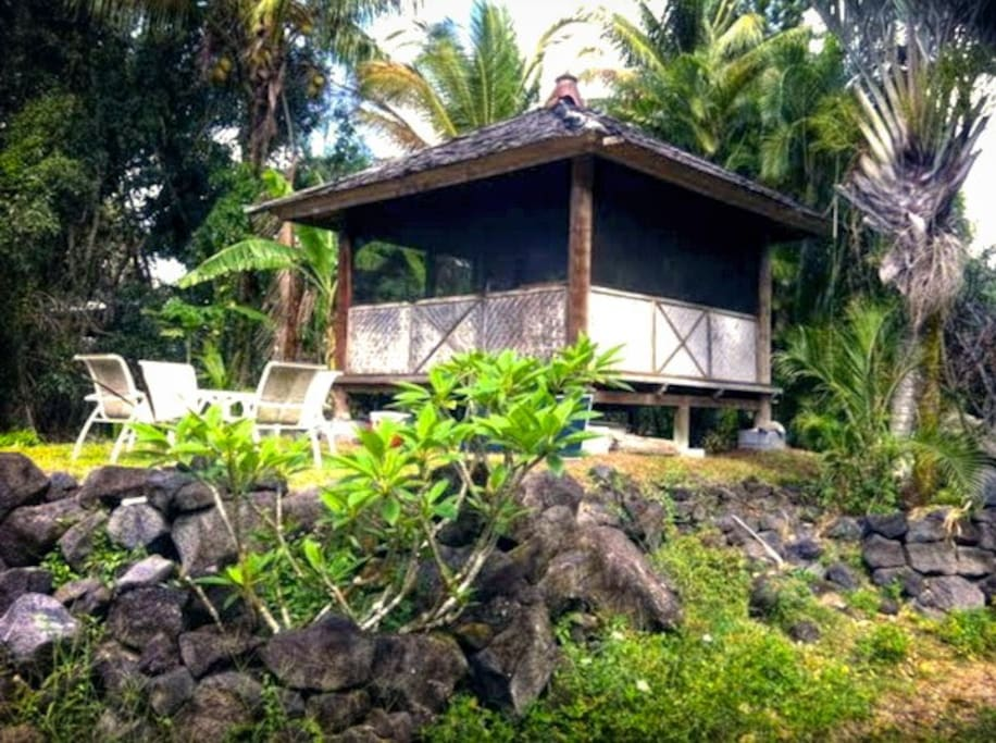 Oceanfront Bali Hut, Big Island, Hawaii