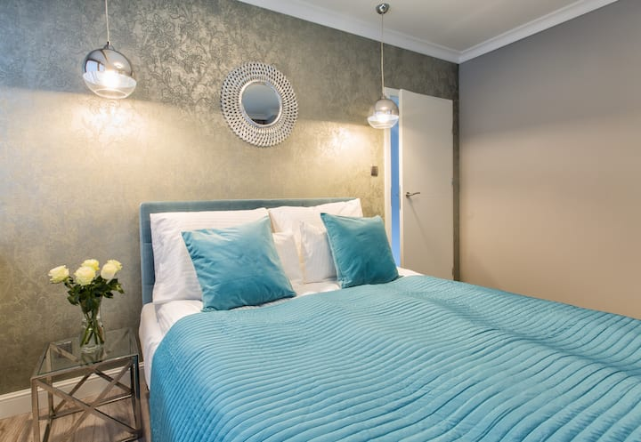 Old Town Azure Apartment - spacious & bright