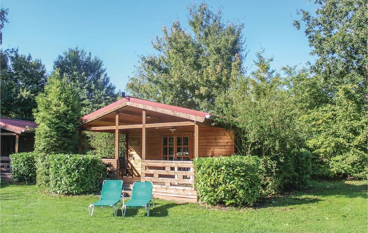 Holiday cottage with 2 bedrooms on 60m² in Onstwedde