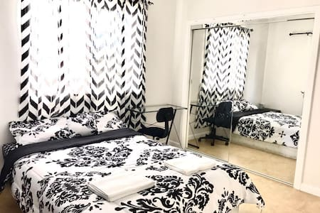Large Room~ Nearby Everything - Honolulu - Rumah