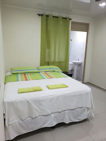 PROIMN, Habitación (3), Hostal La Chulona