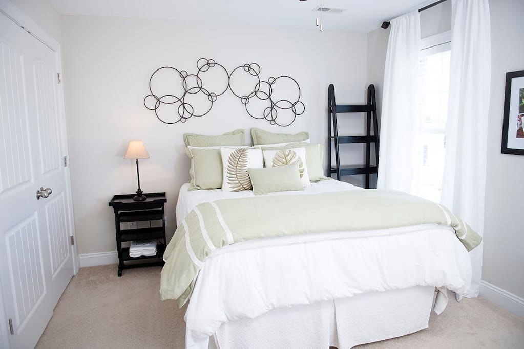 Spa Room with Queen Bed