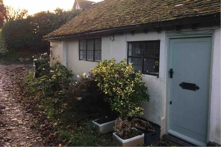 Self-contained annexe in beautiful countryside.