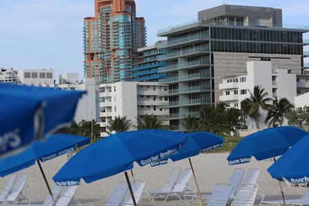 South Beach renovated ocean front - Miami Beach - Apartment