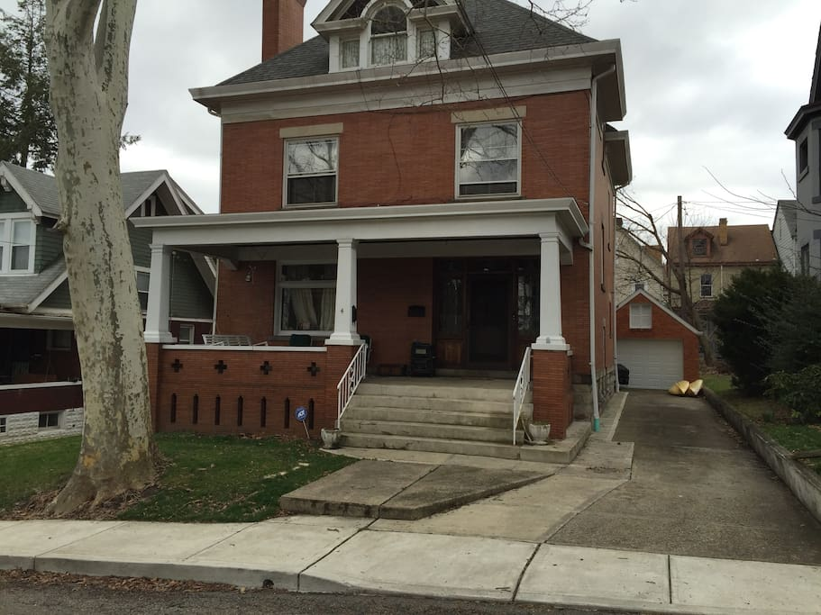 Charming, turn-of-the-century home. Hardwood floors, Kid friendly. Close to Lawrenceville, downtown, stadiums, and Oakland.