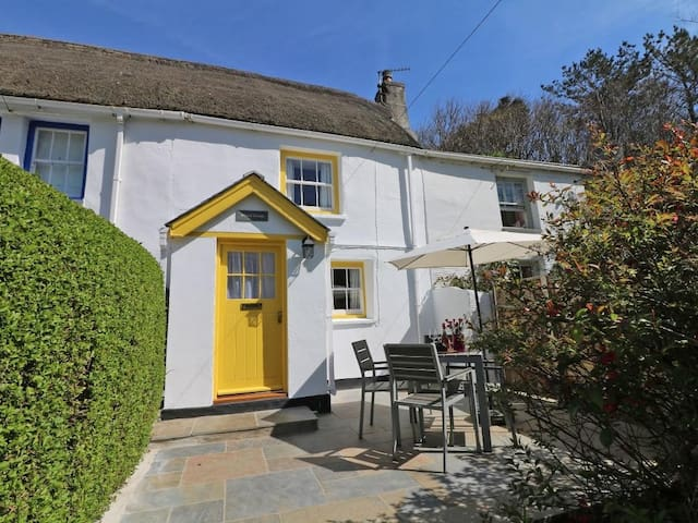 WHEAL DREAM, with open fire in St Agnes, Ref 960162