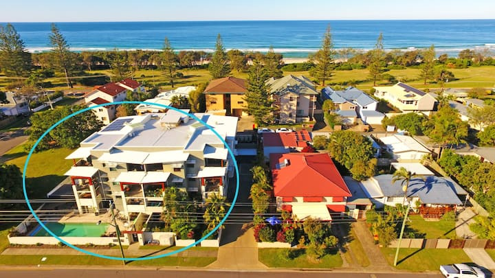 Huge holiday apartment in Kingscliff just metres from the beach.